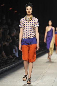 Dries Van Noten at Paris Fashion Week Spring 2009 - Livingly
