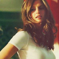 Canadian Actresses, Hot Actresses, Castle Season 3, Castle Tv Shows, Kate Beckett, Elle Magazine, Stana Katic, Famous Women, Woman Crush