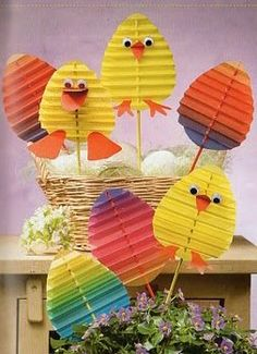 Full of ideas to do activities around easter with children. DIY easter Full of ideas … Easter Projects, Easter Art, Bunny Crafts, Easter Crafts For Kids, Easter Eggs, Easter Activities, Preschool Crafts, Diy And Crafts, Paper Crafts