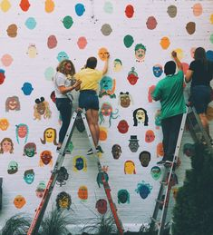 Over 100 people came together to add their faces to this community mural in Prov. - Over 100 people came together to add their faces to this community mural in Provo, Utah. Inspiration Art, Art Inspo, Art Public, Street Art, Illustration Art, Illustrations, School Murals, Collaborative Art, Art Mural