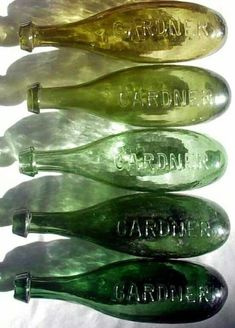 Shades of green glass bottles. Vert Olive, Olive Green, Lush Green, Midori, Green Girl, Jade, Vintage Bottles, Color Of Life, Colors