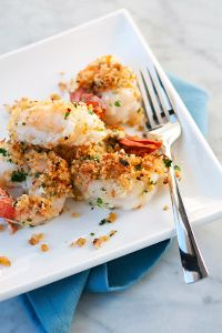 Hot & Spicy Baked Shrimp with fiery breadcrumbs. Yum! #delallo #seafoodrecipe