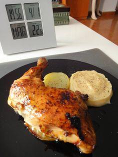 """""""Pollo al horno con puré"""" Frango Chicken, My Favorite Food, Favorite Recipes, Christmas Cookies, Food Porn, Food And Drink, Turkey, Pasta, Nutrition"""