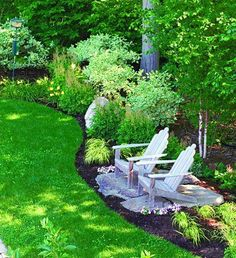 A little seating space in the backyard. So relaxing. Keep some bug repellent for sure though. Put a little table with draws to keep a bug repellent candle.