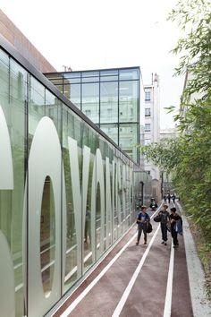 241 Sports Center Hector Berlioz / Dietmar Feichtinger Architects