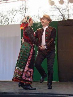 Asutoraida and Kyasar in 40 years! Hungarian Dance, Folk Clothing, Hungarian Embroidery, Folk Dance, Silhouette, My Heritage, Folk Costume, Just Dance, Chain Stitch