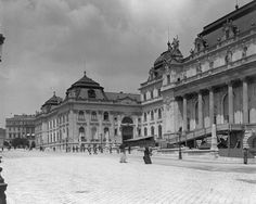The Berlin City Palace or Berlin Palace (Berliner Stadtschloss aka Berliner Schloss in German) is (partly) getting reconstructed. Old Pictures, Old Photos, Buda Castle, Vintage Architecture, Budapest Hungary, Historical Photos, Palace, Louvre, Humboldt Forum
