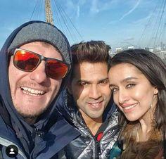 Bollywood Gossip, Bollywood Actors, Bollywood Celebrities, Sweet Relationship Quotes, Sraddha Kapoor, Find Memes, Paris Wallpaper, Varun Dhawan, Indian Celebrities