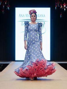 Pasarela Flamenca de Jerez, desfile de Ana María Jarana con moda flamenca 2018. Foto: Christian Cantizano Flamenco Costume, Fishtail, African Dress, Summer Dresses, Formal Dresses, The Dress, Homecoming, Fashion Dresses, Costumes