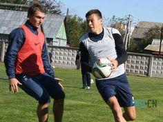 Футболісти «Десни» провели перше тренування в Чернігові Сьогодні, 28 вересня, футболісти чернігівської «Десни» провели перше тренування в рідному місті.  {{AutoHashTags}} http://pro.cn.ua/ua/news/22427