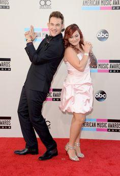 James Durbin, ex American Idol, con su esposa Heidi Lowe