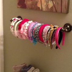 Hair Accessories Organizer for Little Girls Towel bar used as a headband holder Maybe add some batting material for thicknessTowel bar used as a headband holder Maybe add some batting material for thickness Hair Bow Storage, Headband Storage, Headband Organization, Diy Headband Holder, Hair Accessories Holder, Organizing Hair Accessories, Girl Room, Girls Bedroom, Kids Headbands