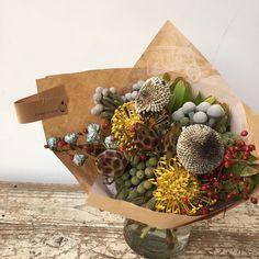 Flower Words, Dry Flowers, Ohana, Garlands, Wedding Bouquets, Garden Design, Flower Arrangements, Dried Flowers, Wreaths