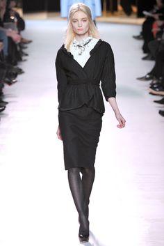 Nina Ricci Fall 2011 Ready-to-Wear Collection Photos - Vogue