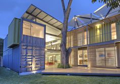 """8 Shipping Containers Make Up a Stunning 2-Story Home"" http://prsm.tc/83337f"