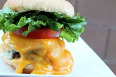 Triple Cheese Cheeseburger - that is my type of of burger! Creole Contessa: More Than a Mouthful Cheesylicious Cheeseburger Hamburgers, Cheeseburgers, Burger Recipes, Beef Recipes, Great Recipes, Favorite Recipes, Amazing Recipes, Burger Dogs, Good Food