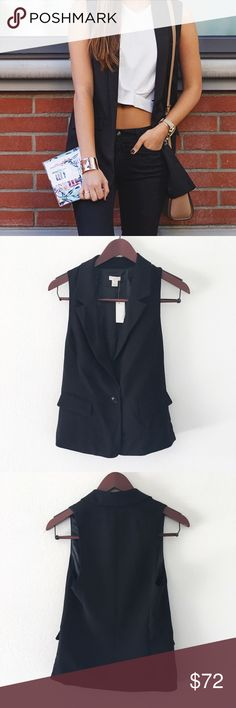 """nwt//j. crew factory • casual blazer 🛍: j. crew factory ▫️stylish sleeveless casual blazer  ▫️features a single button and 2 faux flap pockets ▫️fully lined ▫️pair with a white tee and cutoff shorts for a perfect summer outfit! ▫️size: 00 ▫️measurements: {taken while buttoned}         armpit-armpit: approx 15""""         length from shoulder: approx 23.5"""" ▫️materials and care: 100% polyester; DRY CLEAN ONLY ▫️condition: new with tags; has an extra button attached to tag J. Crew Factory Jackets…"""