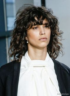 5 Ways to wear your hair with textured bangs