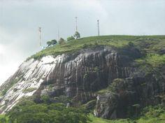 Pedra da Baleia no Município de Lajinha/MG, onde está situado o Santuário Nossa Senhora da Conceição Aparecida, numa altitude média de 680m.