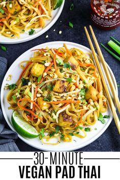 Each mouthful of this Vegan Pad Thai is a burst of contrasting flavors that will surely tickle your taste buds! The combination of sweet, tangy Vegan Dinner Recipes, Vegan Dinners, Vegetarian Recipes, Healthy Recipes, Healthy Food, Healthy Dinners, Cook Pad, Vegan Pad Thai, Vegan Fish