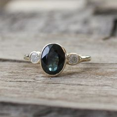 Multi-Color-Saphir-Diamant-Ring in 14 K Gelbgold Gold Diamond Rings, Sapphire Diamond, Diamond Engagement Rings, Gemstone Rings, Wedding Ring Bands, Unique Rings, Vintage Rings, Jewelry Box, Jewellery