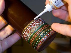 Painting Glass Jars, Painted Glass Bottles, Glass Painting Designs, Pottery Painting Designs, Glass Bottle Crafts, Wine Bottle Art, Dot Art Painting, Diy Bottle, Bottle Painting