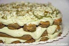 Il Tiramisù al pistacchio un dessert dal gusto irresistibile delicato e profumato dal sapore leggero del pistacchio e l'intensità del caffè.