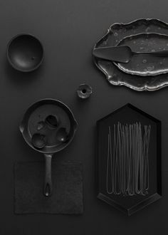 Styling in black - via cocolapinedesign.com