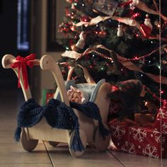 """10 must-get photos for Christmas, including """"A Child's Point of View"""" of the waiting gifts"""