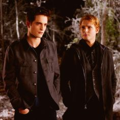 Find images and videos about twilight, breaking dawn and twilight saga on We Heart It - the app to get lost in what you love. Twilight Breaking Dawn, Breaking Dawn Part 2, Twilight New Moon, Twilight Movie, Twilight Wedding, Twilight Edward, Twilight Cast, Robert Pattinson, Kristen Stewart