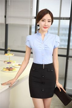 Essential work wardrobe pieces every woman should have in her closet Classy Outfits, Casual Outfits, Cute Outfits, Pencil Skirt Work, Office Fashion, Work Wardrobe, Office Outfits, Beautiful Asian Girls, Blouse Designs