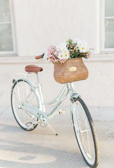 Ashley Brooke's Bike and Bike Basket with Flowers Bicycle Basket, Bicycle Art, Bicycle Design, Bike Baskets, Wooden Bicycle, Bicycle Decor, Ashley Brooke Designs, Vintage Bicycle Parts, Vintage Bicycles