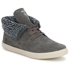 Sheepskin lined high tops from @victoriashoes perfect for your man this winter! #shoes #trainers #sneakers #sheepskin #winter #mens #fashion #uk