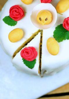 Påsktårta | Söta saker Hot Cocoa Recipe, Table Setting Inspiration, Panna Cotta, Picnic, Easter Cake, Diy Crafts, Cookies, Ethnic Recipes, Desserts