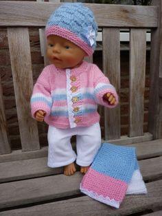 Gebreid wintersetje Babyborn 43 cm Patroon vest en muts De Breikraam, broekje Hobbydoos en sjaaltje eigen ontwerp