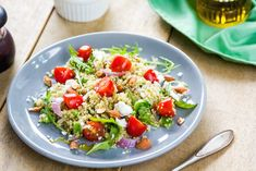 Healthy Quinoa Salad – good recipe to follow to use my Quinoa. I can make you in Korea.