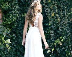 This is a Classic elegance floor length dress featuring a gold sequined bodice and A V open back. Bodice is fully lined, so it will not be itching or irritating to the skin. The skirt part is so full and fluffy with ivory tulle. A satin blush flower pin on back. This stunning dress will be perfect for weddings, portrait pictures, communion, birthday, Easter, any kind of celebrations.  * The dress is fully lined with soft bridal Lycra * Hand wash recommended. * Ships within 2 week   Also…