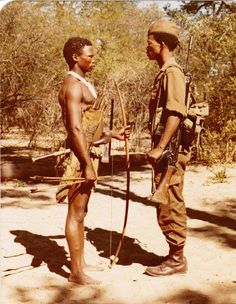 Bushmen or San people were excellent trackers and were used by the South African military as trackers during the Angola Border War. Men Are Men, Defence Force, Victoria Falls, African History, Special Forces, Cold War, Military History, Armed Forces, Army