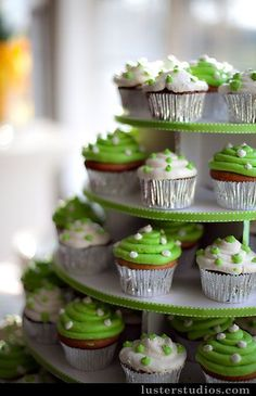Fabulous ideas for green wedding cupcakes! Let's begin with a three tier cupcake wedding cake with one mini cake on top and two tiers of . Key Lime Cupcakes, Polka Dot Cupcakes, Green Cupcakes, White Cupcakes, Love Cupcakes, Decorated Cupcakes, Art Cupcakes, Silver Cupcakes, White Wedding Cupcakes