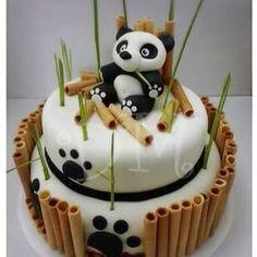 Torta de panda!!!! #panda #pandacake #cake #bambu #saboresconamoralarte #tortapanda #tortadepanda @djarochaster