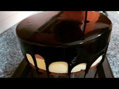 GLAZURA DE CIOCOLATA EFECT OGLINDA RAPIDA/ GLASEADO ESPEJO RECETA RÁPIDA/CHOCOLATE MIRROR GLAZE - YouTube Cake Decorating Videos, Arabic Sweets, Chocolate, Cake Recipes, Cheesecake, Projects To Try, Fondant, Pudding, Tasty