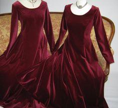 LAURA ASHLEY Vintage Deep Claret Velvet Elizabethan / Tudor Style Evening Statement Gown, UK 8/10