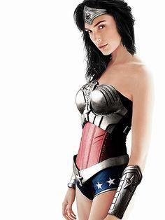 Gal Gadot to play Wonder Woman '17
