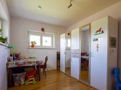 Draschitz: Sonne- Ruhe- Frische Luft- Hier lässt es sich leben ! » BEST PLACE immo Home Decor, Air Fresh, Master Bathrooms, Living Dining Rooms, Sun, Life, Interior Design, Home Interior Design