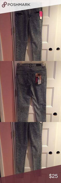 Celebrity Pink High Rise Skinny jeans NWT 71% Cotton 27% Polyester 2% Spandex... Waist measures 14 inches. Inseam measures 31 inches Jeans Skinny
