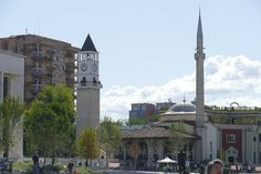 Tirana has a lot to offer. From learning about communist history to checking out the many nature sites. Let's get into the best things to do in Tirana! Beautiful Mosques, Beautiful Buildings, Sky Restaurant, Les Balkans, Rue Pietonne, Grands Lacs, Site Archéologique, Destinations, Tromso