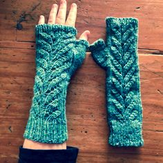 Ravelry: Autumnal Mitts by Jo Bangles