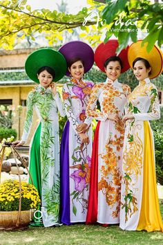Ao Dai - The traditional dress of Vietnam.: