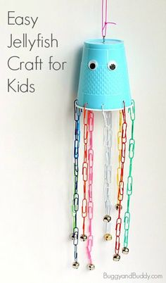 Jellyfish Fine Motor Craft for Kids~ BuggyandBuddy.com (Great for an ocean theme or summer project!)
