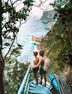 Nusa Penida is the best-kept secret of Bali. It is best to do a Nusa Penida tour for its incredible high coastal cliffs and yet untouched nature. Travel Tours, Bali Travel, Vacation Travel, Travel Guides, Komodo Island, Famous Pictures, Thousand Islands, Most Beautiful Beaches, Beautiful Places